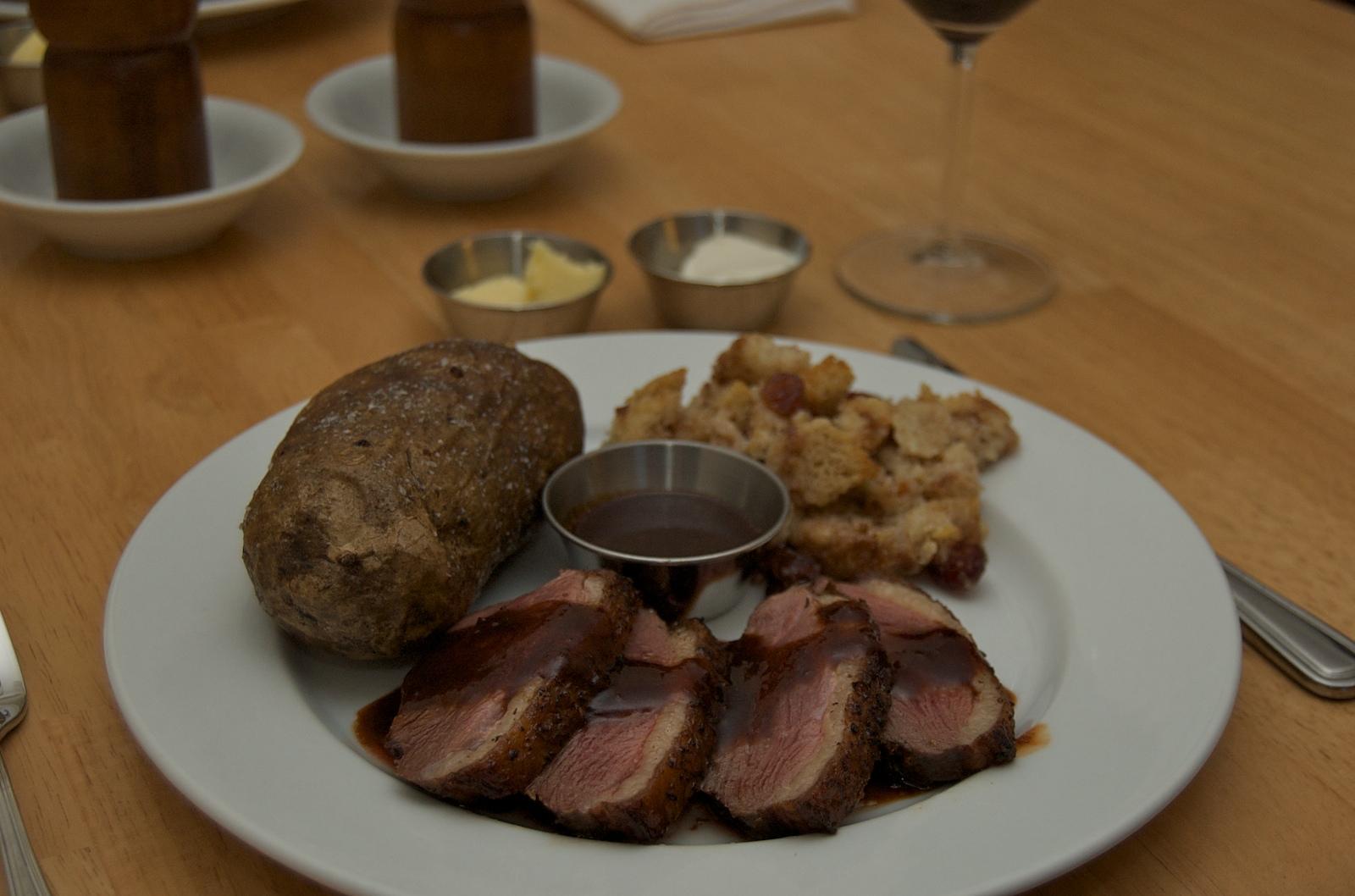 http://blog.rickk.com/food/2009/12/25/duck.jpg