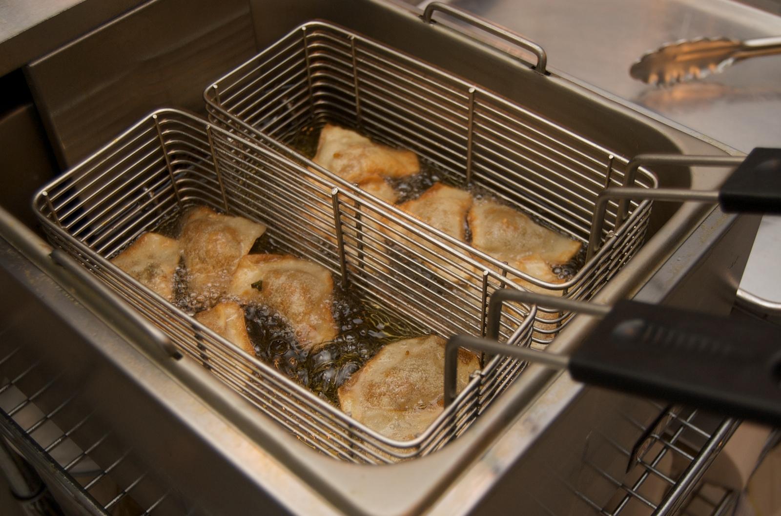 http://blog.rickk.com/food/2010/01/12/DSC_0019.jpg