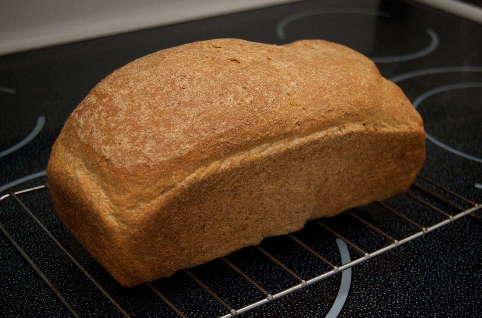 http://blog.rickk.com/food/2010/01/31/bread4.jpg