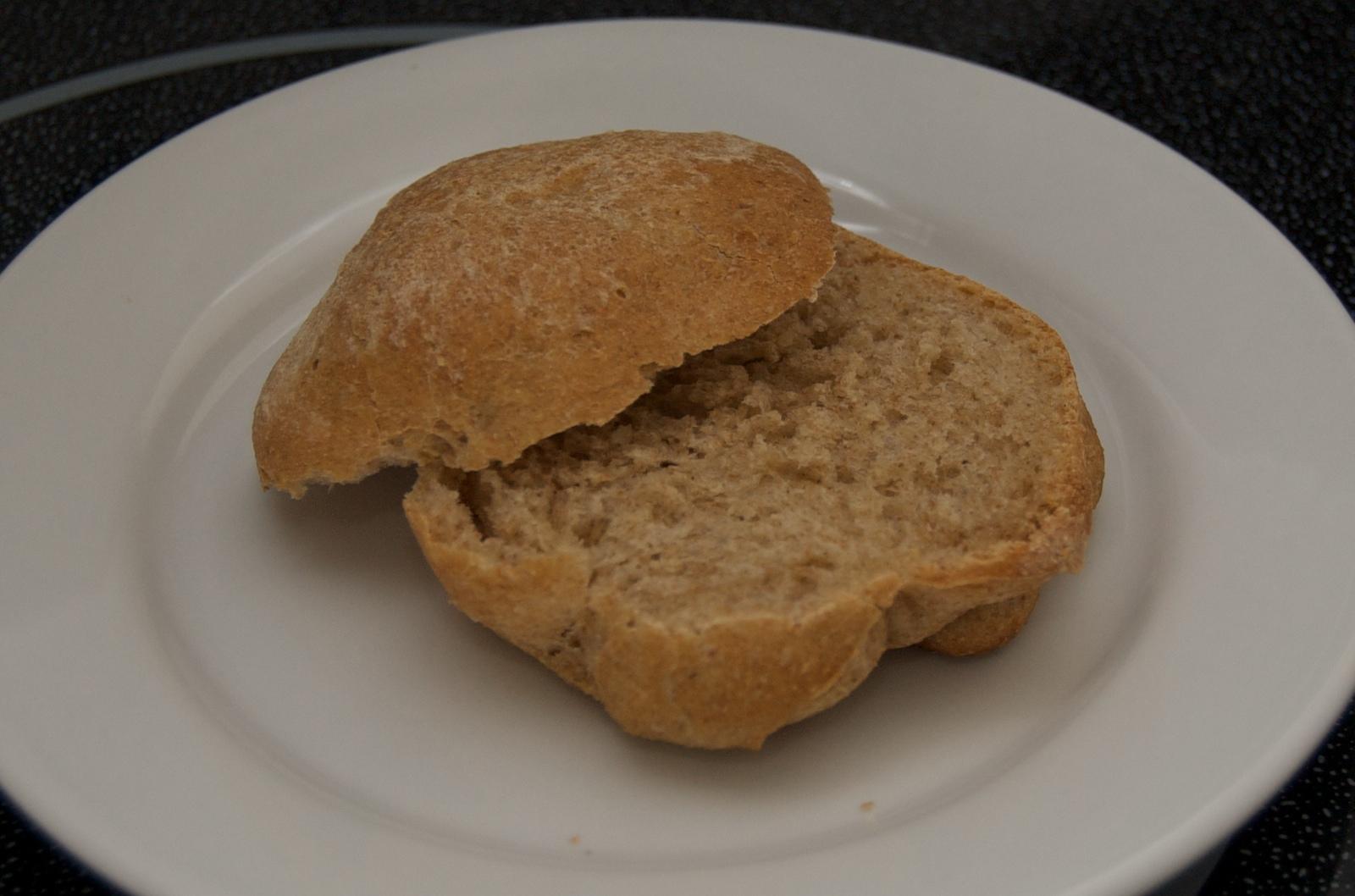 http://blog.rickk.com/food/2010/01/31/bread5.jpg