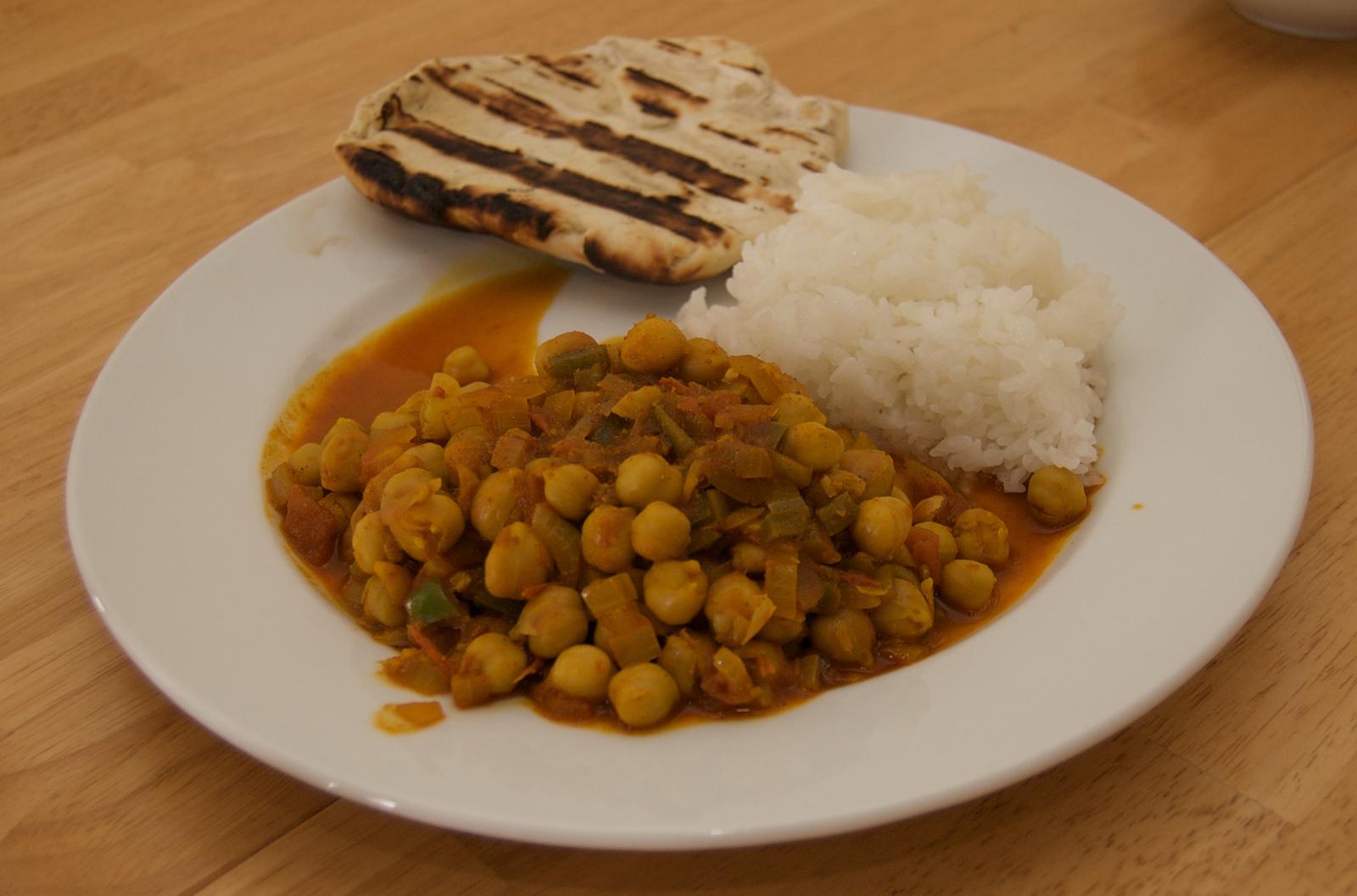 http://blog.rickk.com/food/2010/03/07/channa_masala.jpg