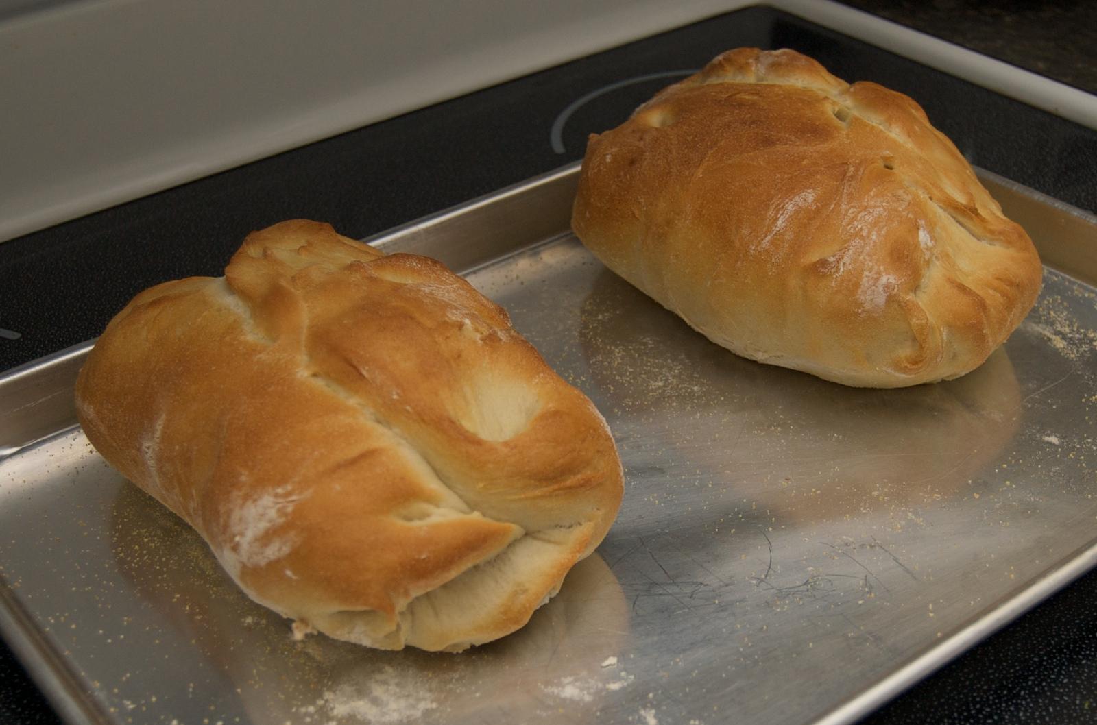 http://blog.rickk.com/food/2010/03/14/bread4.jpg