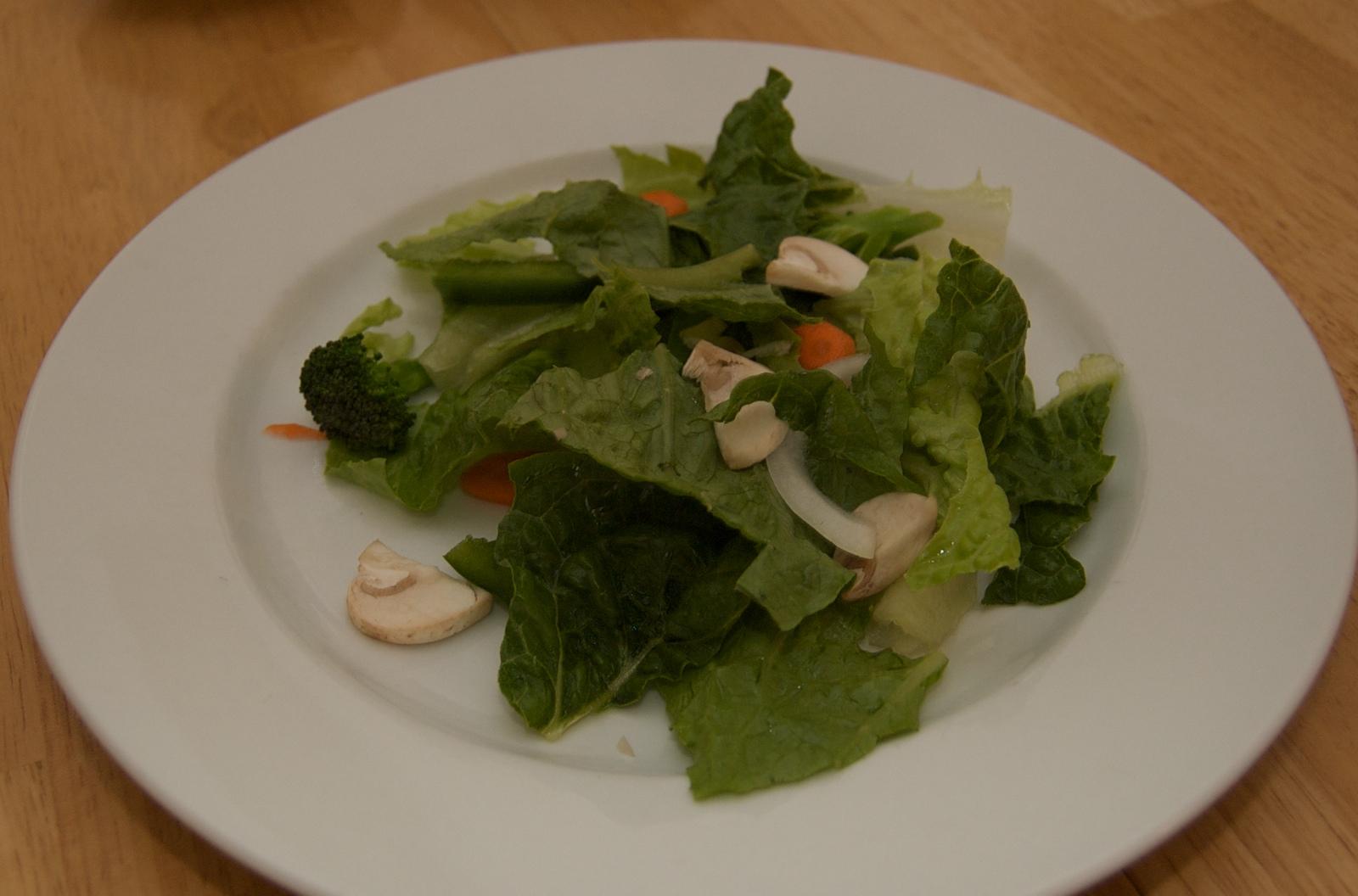 http://blog.rickk.com/food/2010/03/23/salad6.jpg
