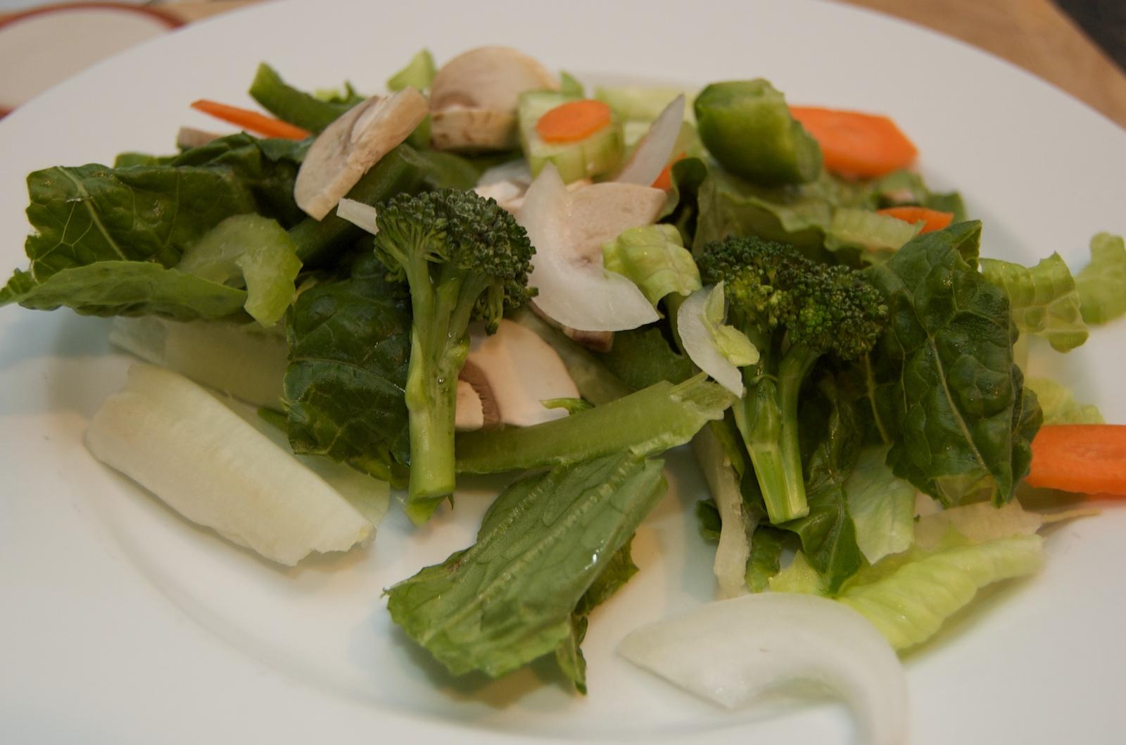 http://blog.rickk.com/food/2010/03/23/salad8.jpg