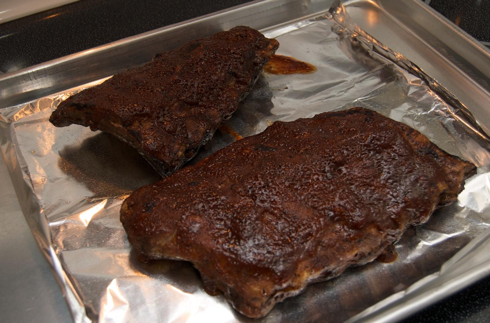 http://blog.rickk.com/food/2010/03/25/ribs4.jpg