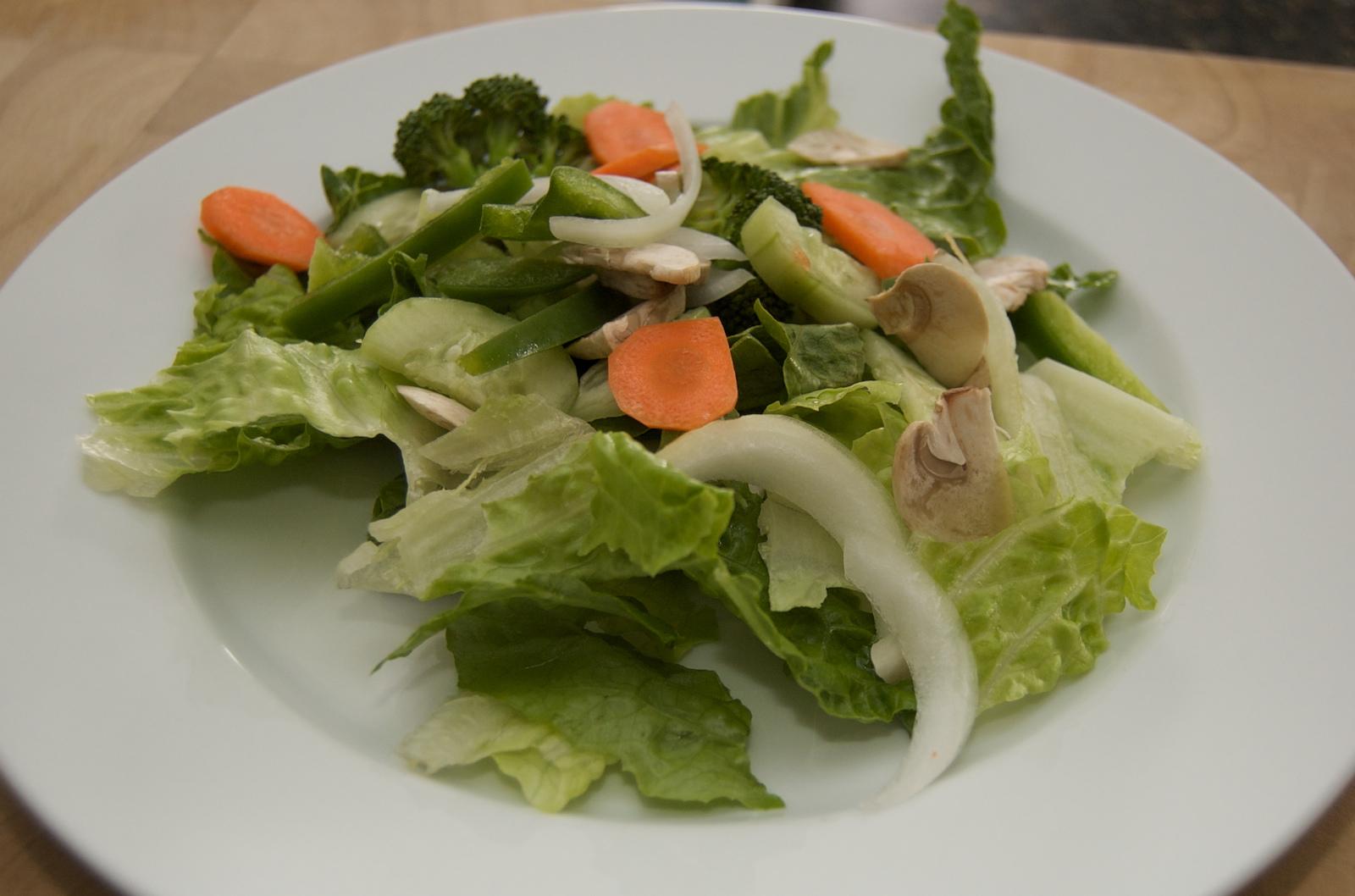 http://blog.rickk.com/food/2010/03/25/salad10.jpg