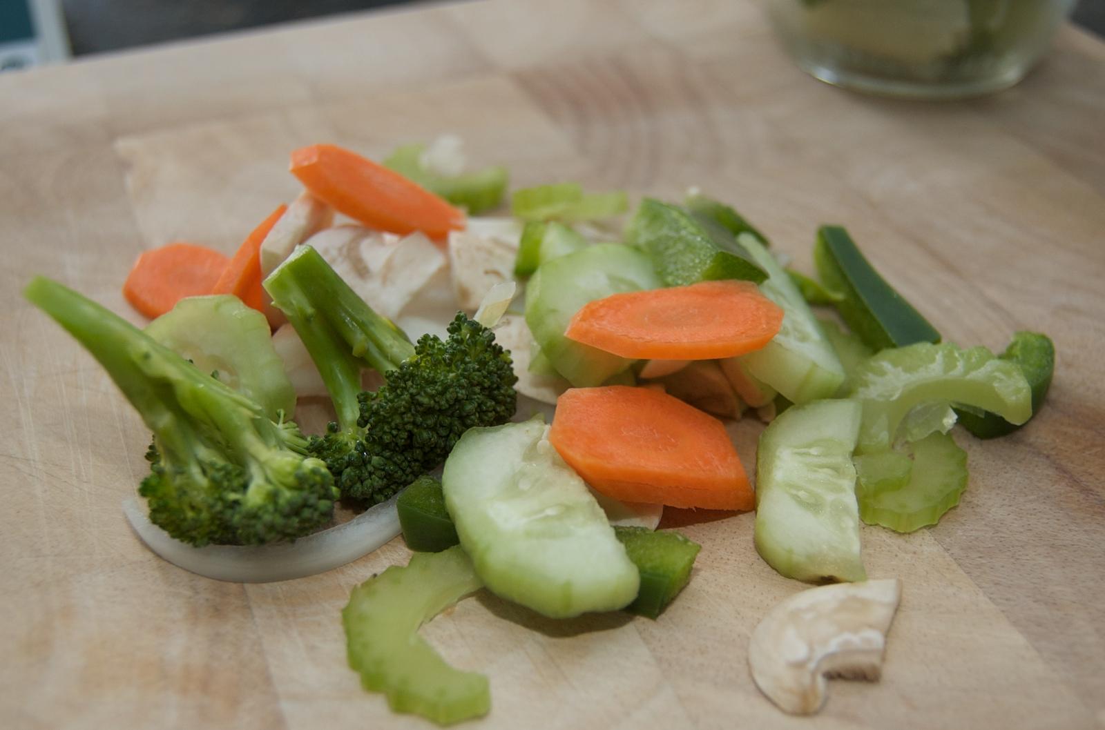 http://blog.rickk.com/food/2010/03/27/salad13.jpg