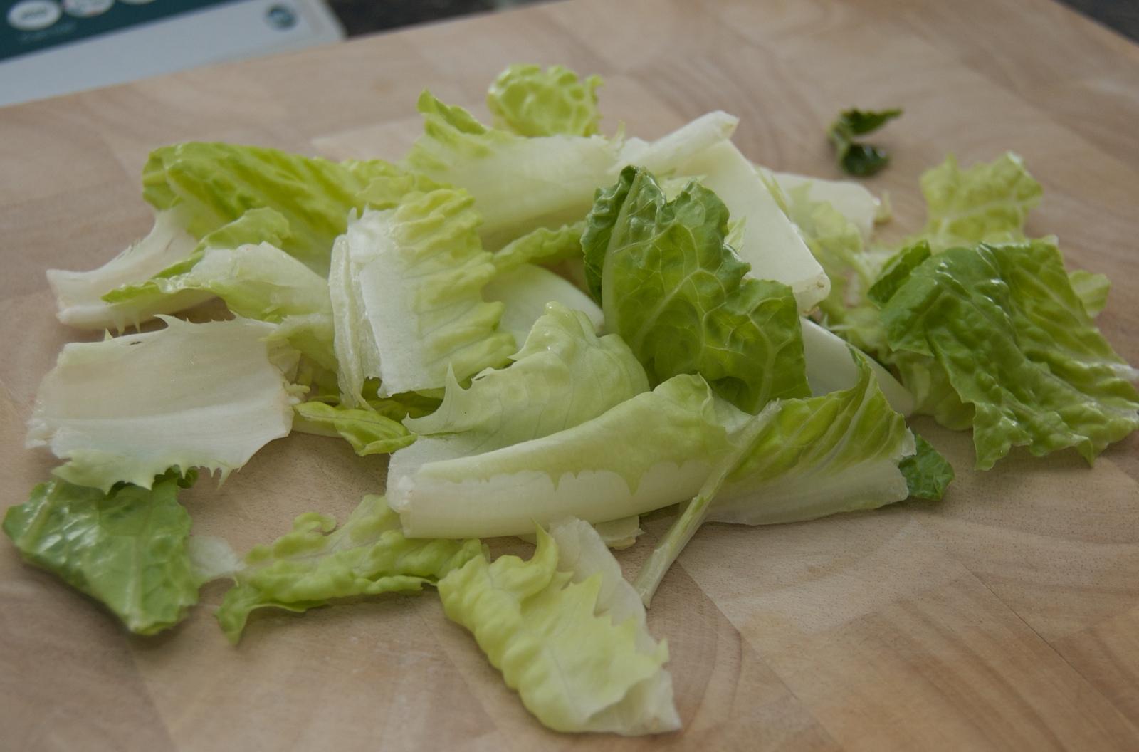 http://blog.rickk.com/food/2010/04/05/salad15.jpg