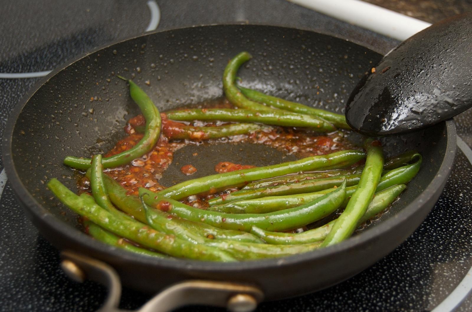 http://blog.rickk.com/food/2010/04/29/char4.jpg