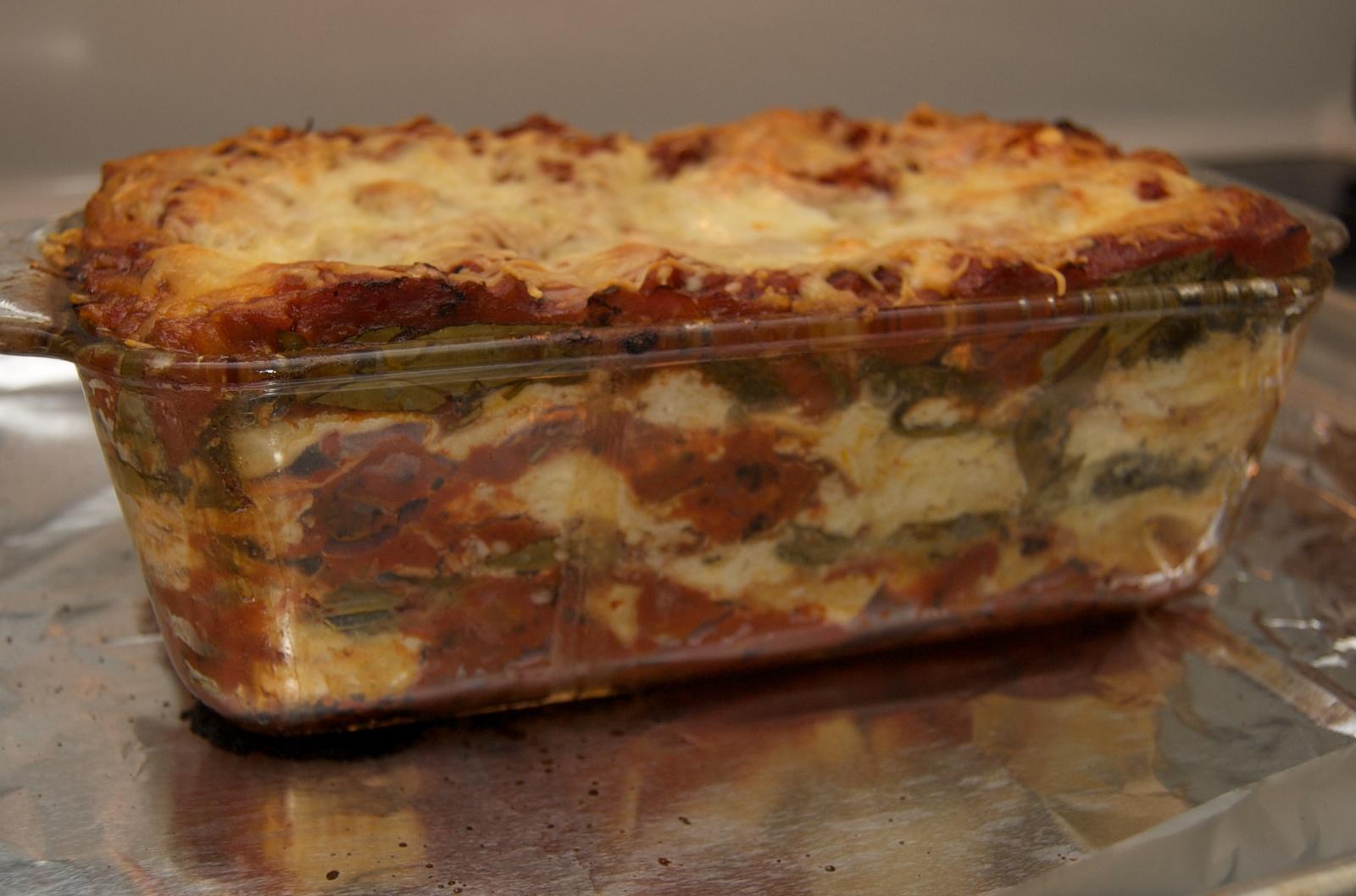 http://blog.rickk.com/food/2010/06/20/lasagna5.jpg