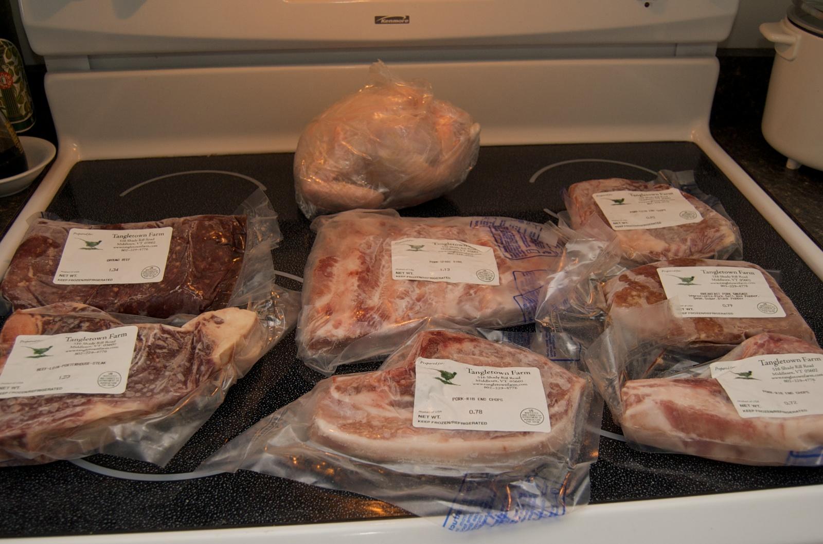 http://blog.rickk.com/food/2010/06/26/meat-csa1.jpg