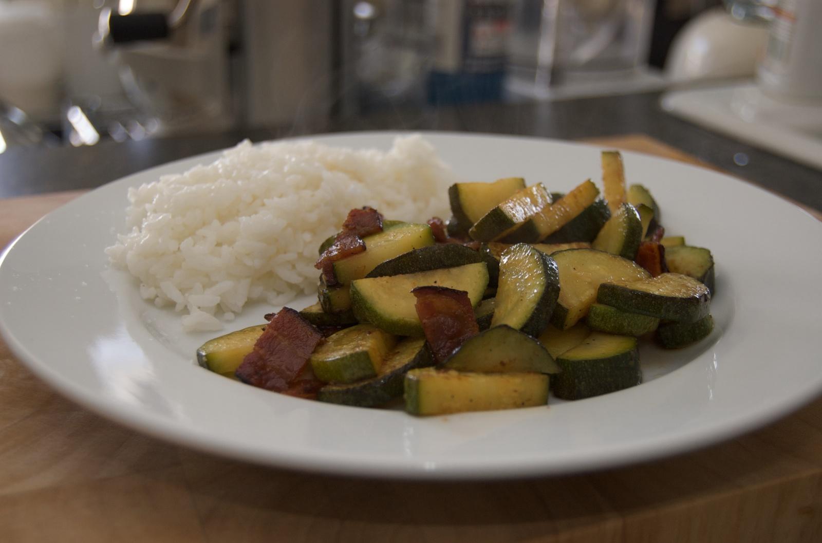 http://blog.rickk.com/food/2010/07/07/zucchinibacon.jpg