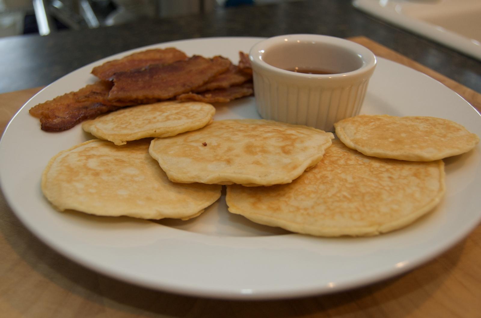 http://blog.rickk.com/food/2010/07/29/pancakes1.jpg