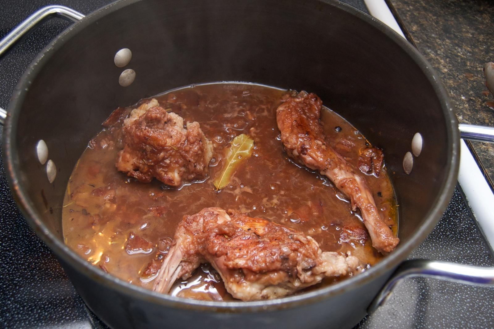 http://blog.rickk.com/food/2010/08/08/rabbit4.jpg