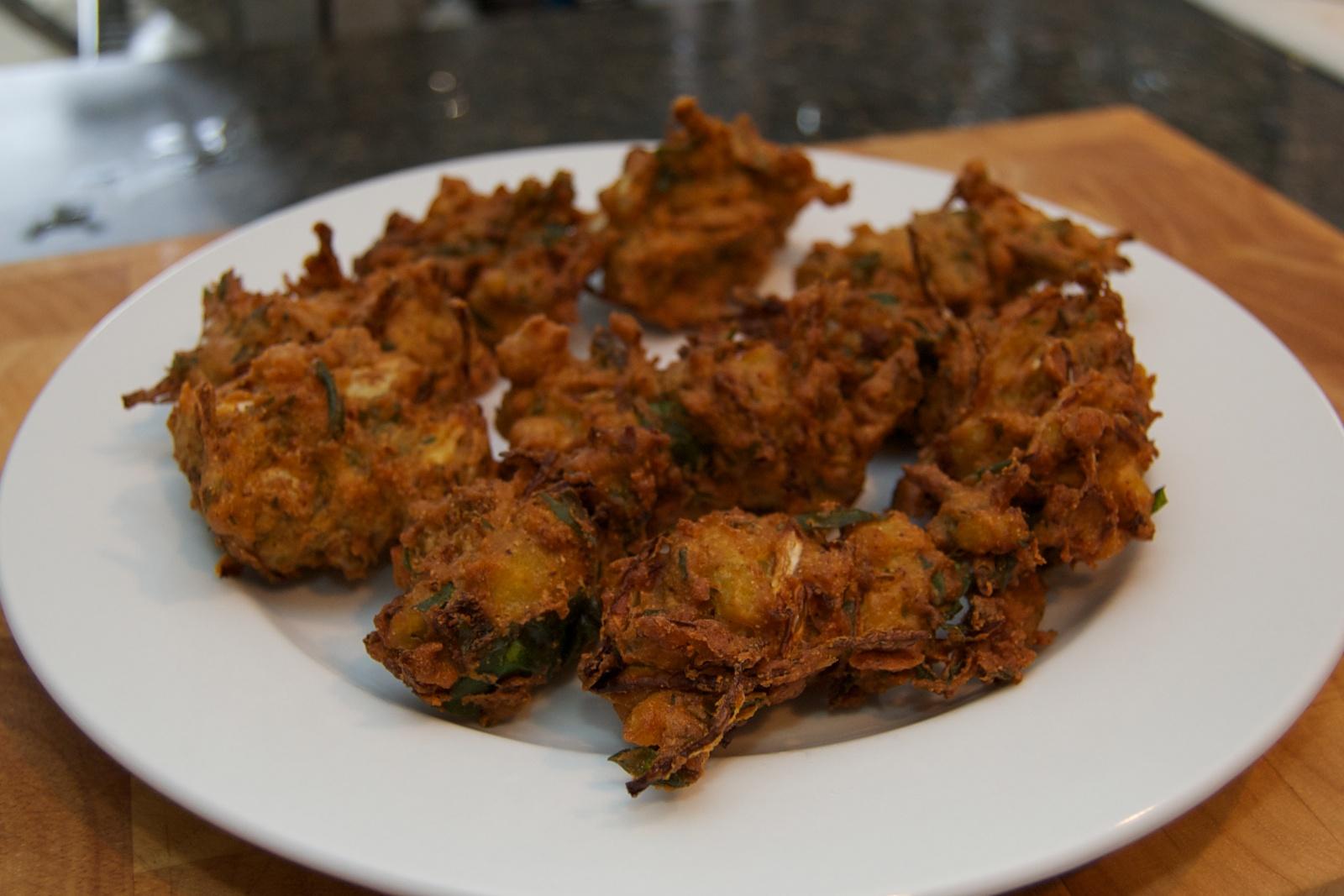 http://blog.rickk.com/food/2010/09/24/vegpakora4.jpg