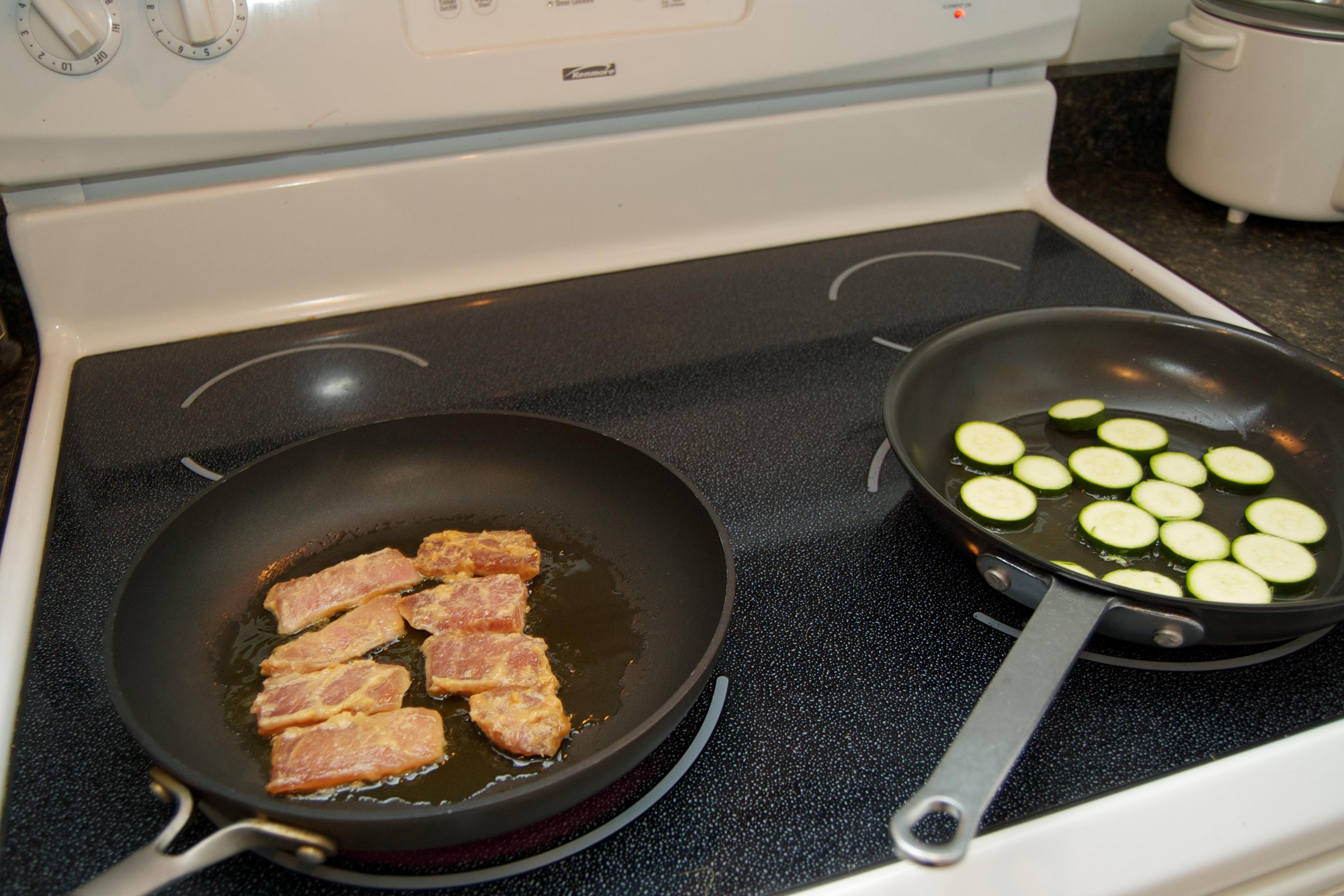 http://blog.rickk.com/food/2010/10/01/misopork2.jpg