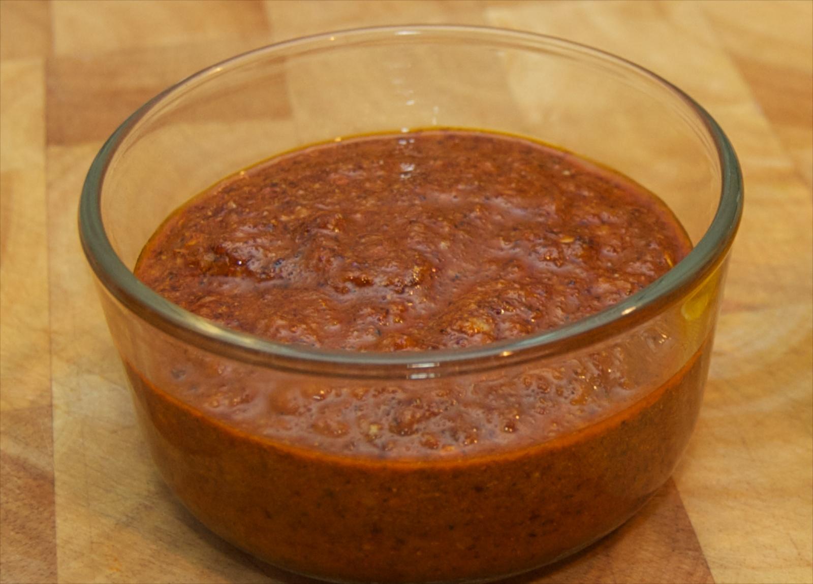 http://blog.rickk.com/food/2010/10/03/berbere4.jpg