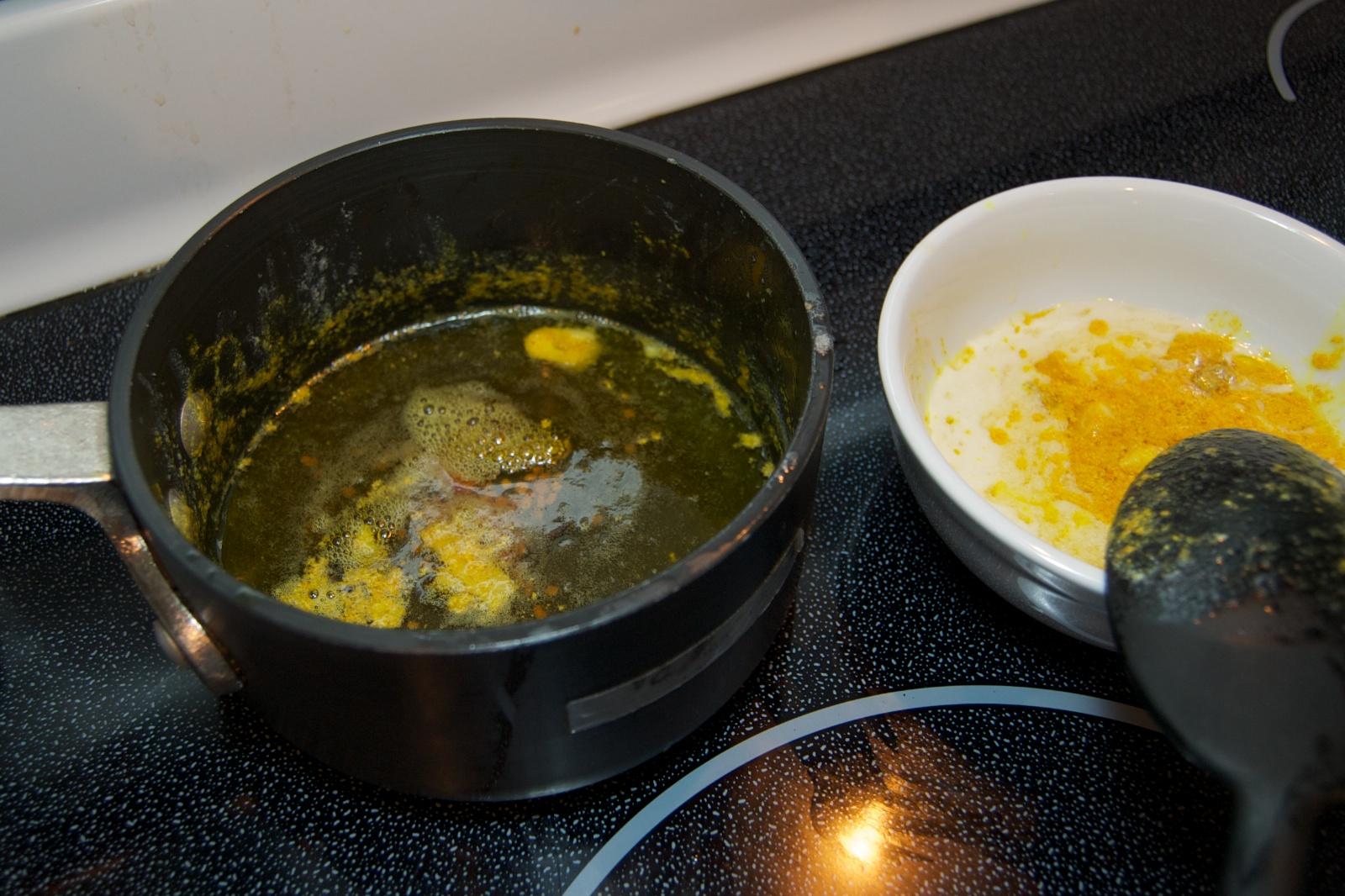 http://blog.rickk.com/food/2010/10/03/niterkibbeh1.jpg