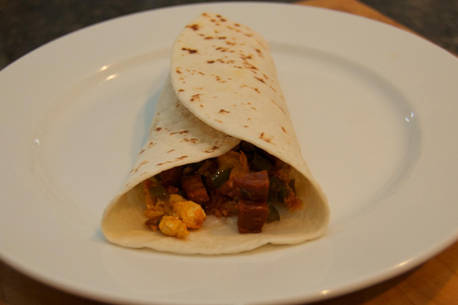 http://blog.rickk.com/food/2010/10/04/breakfastburrito8.jpg