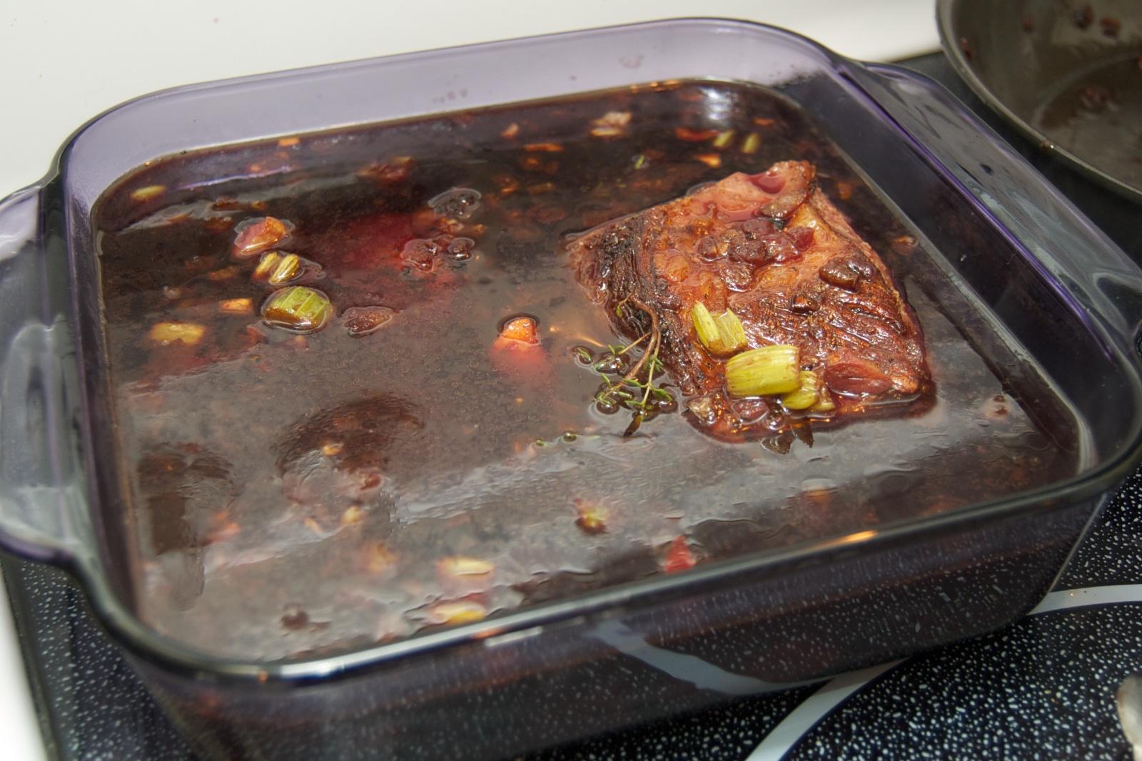 http://blog.rickk.com/food/2010/10/10/shortribs4.jpg