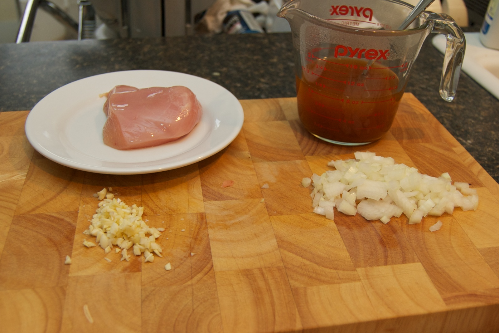 http://blog.rickk.com/food/2010/10/15/chickenpaprika5.jpg