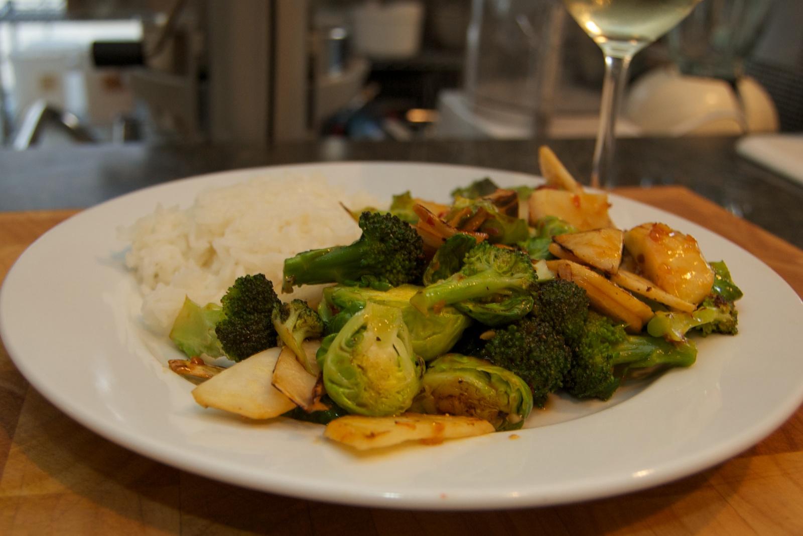http://blog.rickk.com/food/2010/10/17/veggarlicstir5.jpg