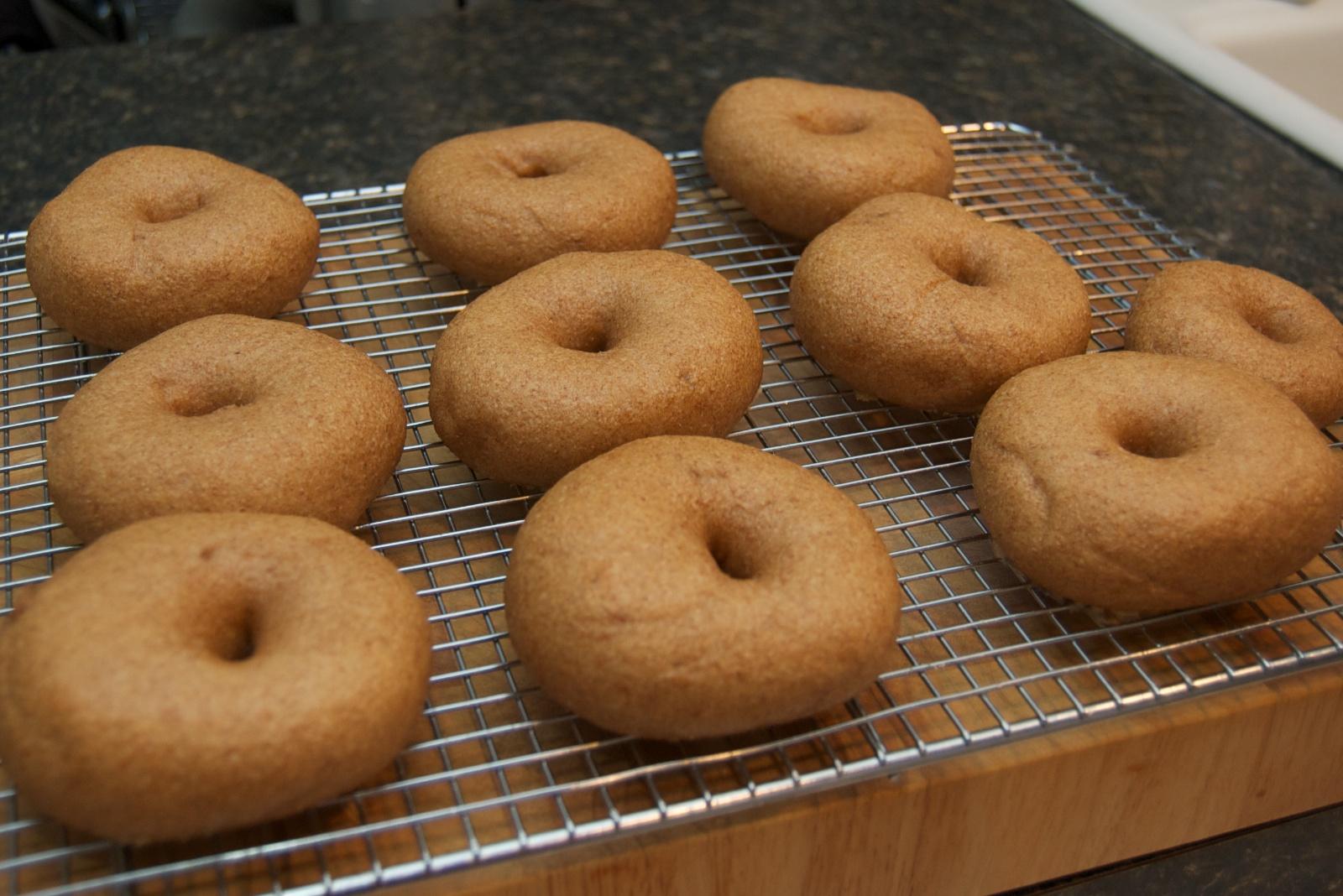 http://blog.rickk.com/food/2011/01/14/bagel3.jpg