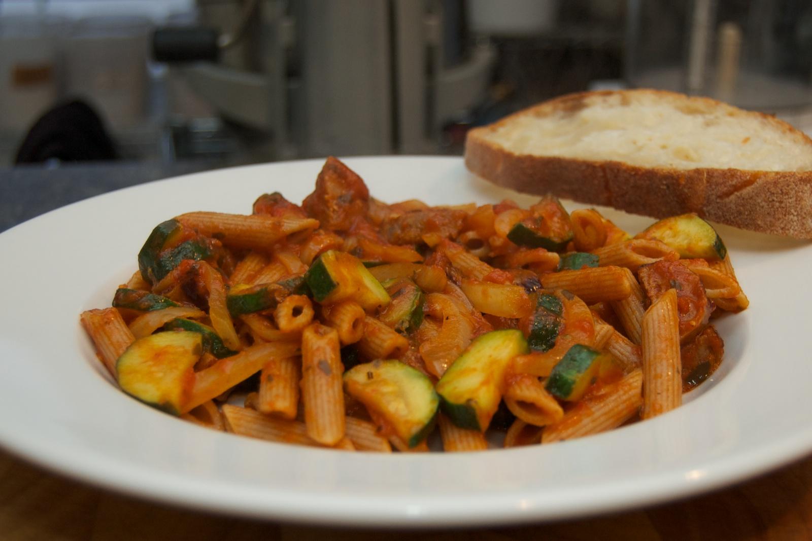 http://blog.rickk.com/food/2011/01/14/pasta1.jpg