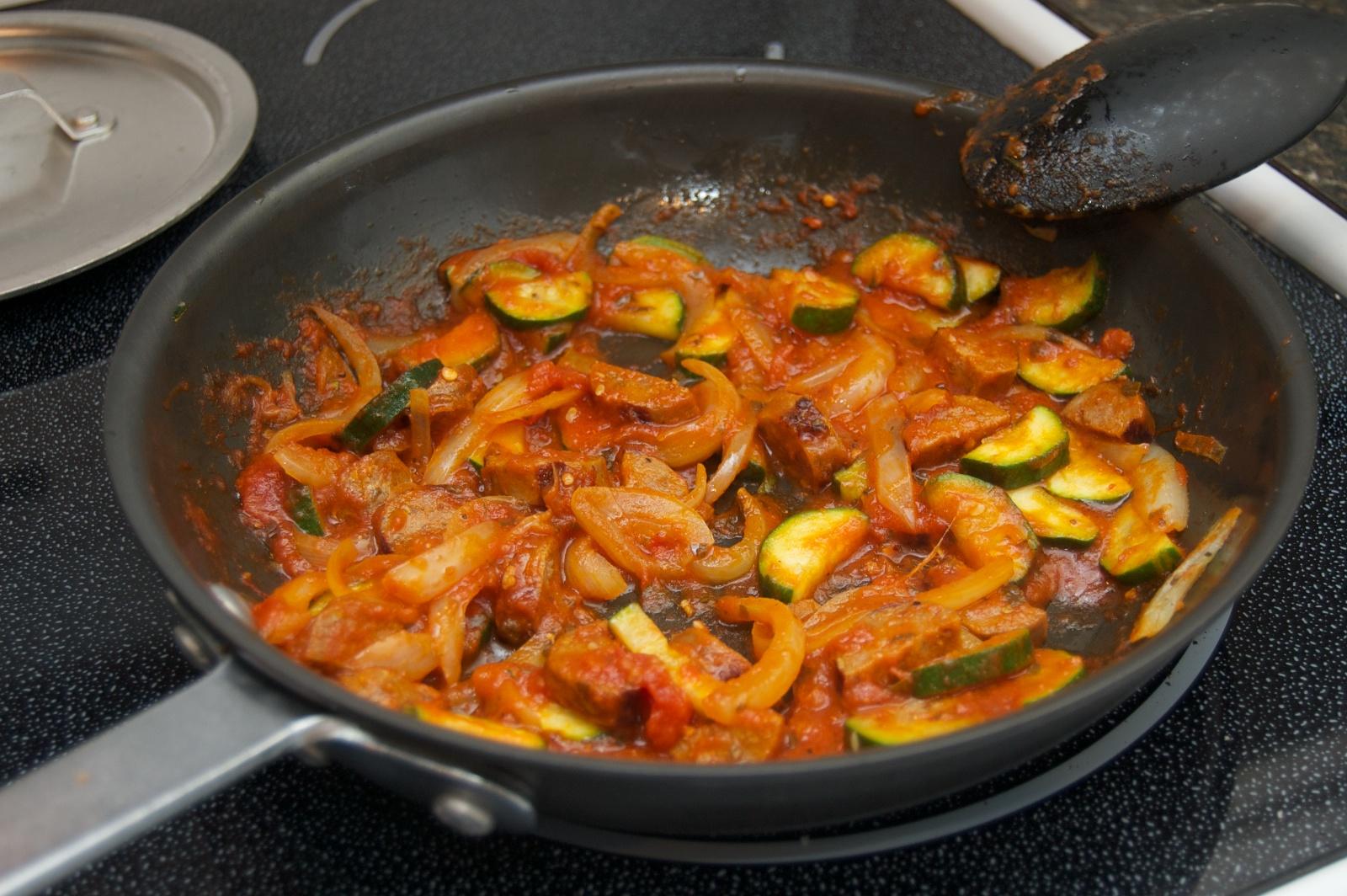 http://blog.rickk.com/food/2011/01/14/pasta2.jpg