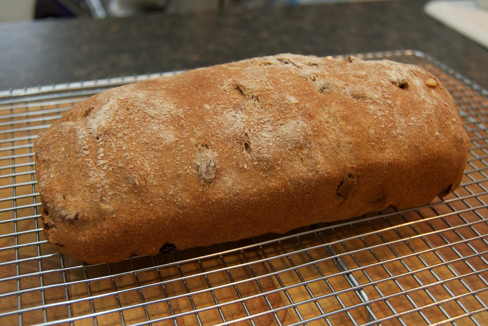 http://blog.rickk.com/food/2011/03/13/raisinbread2.jpg