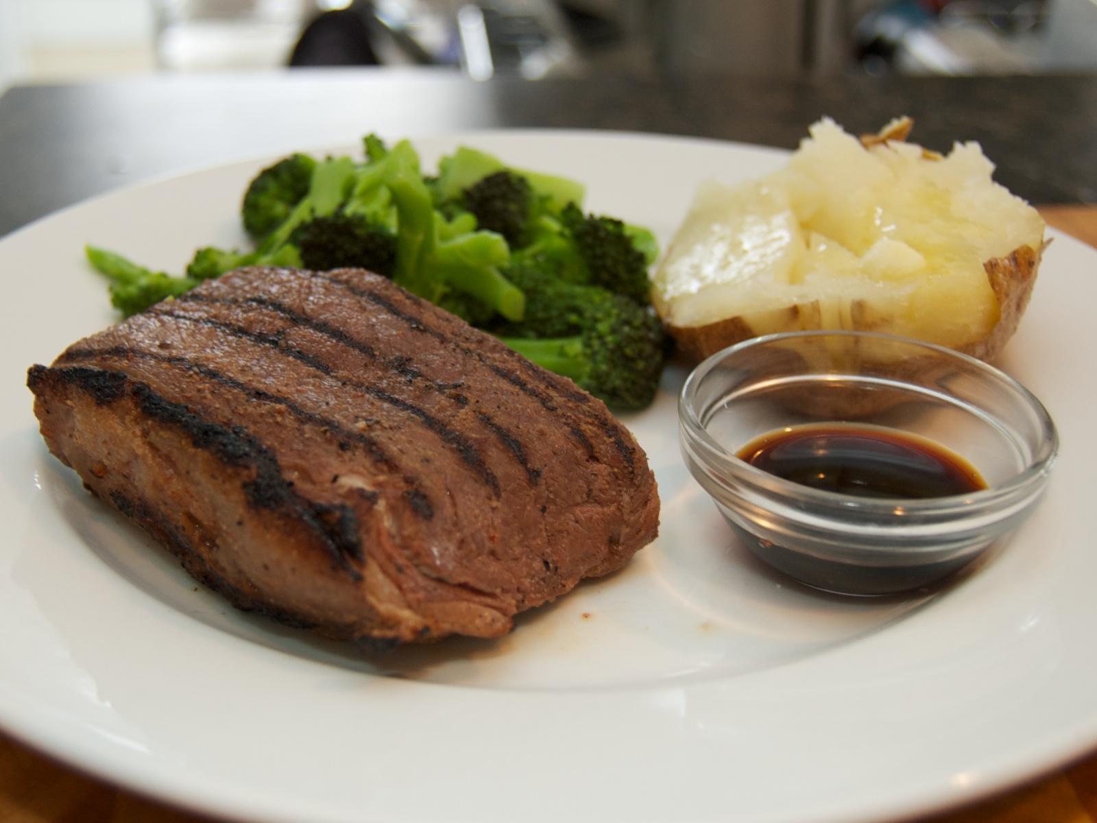 http://blog.rickk.com/food/2011/04/27/ate.2011.04.27.d.jpg