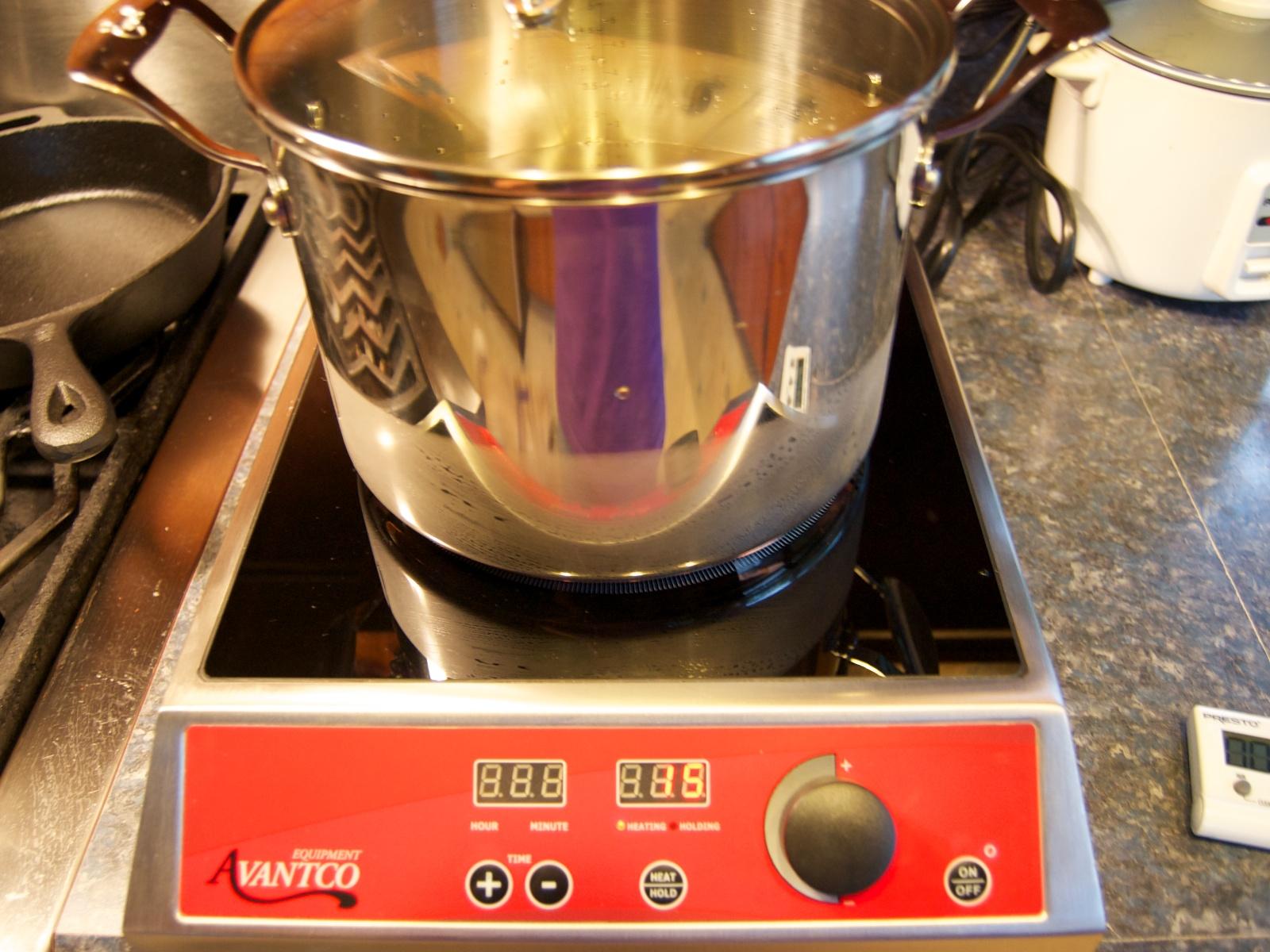 http://blog.rickk.com/food/2011/07/08/boil2.jpg
