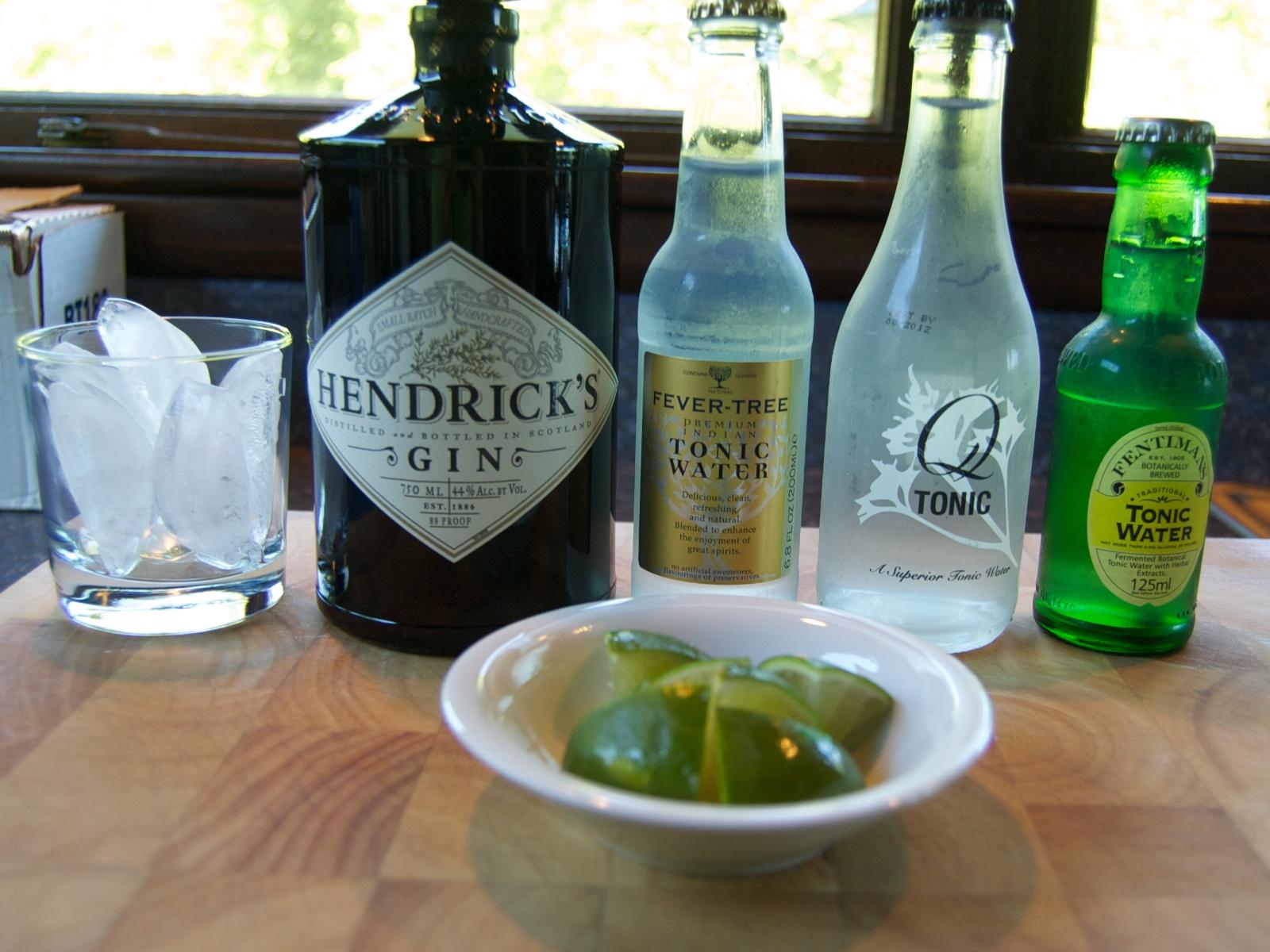 http://blog.rickk.com/food/2011/07/09/ginandtonic1.jpg