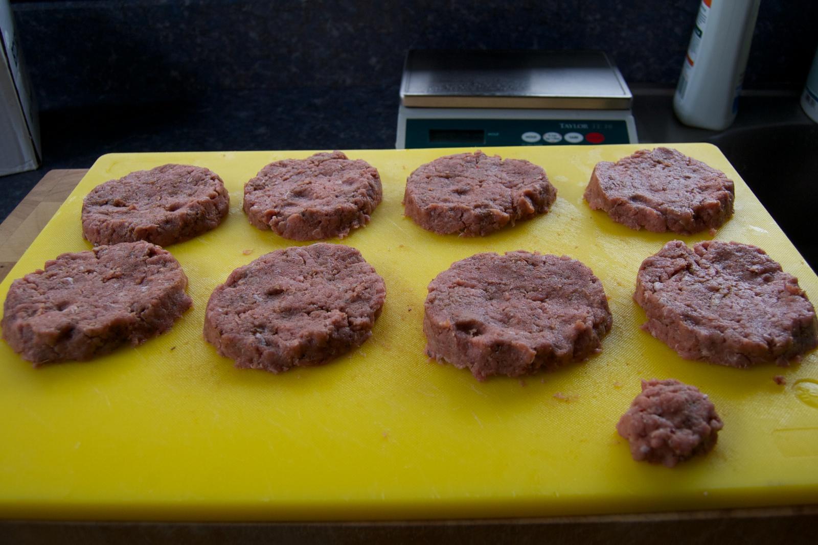 http://blog.rickk.com/food/2011/08/16/sausage2.jpg