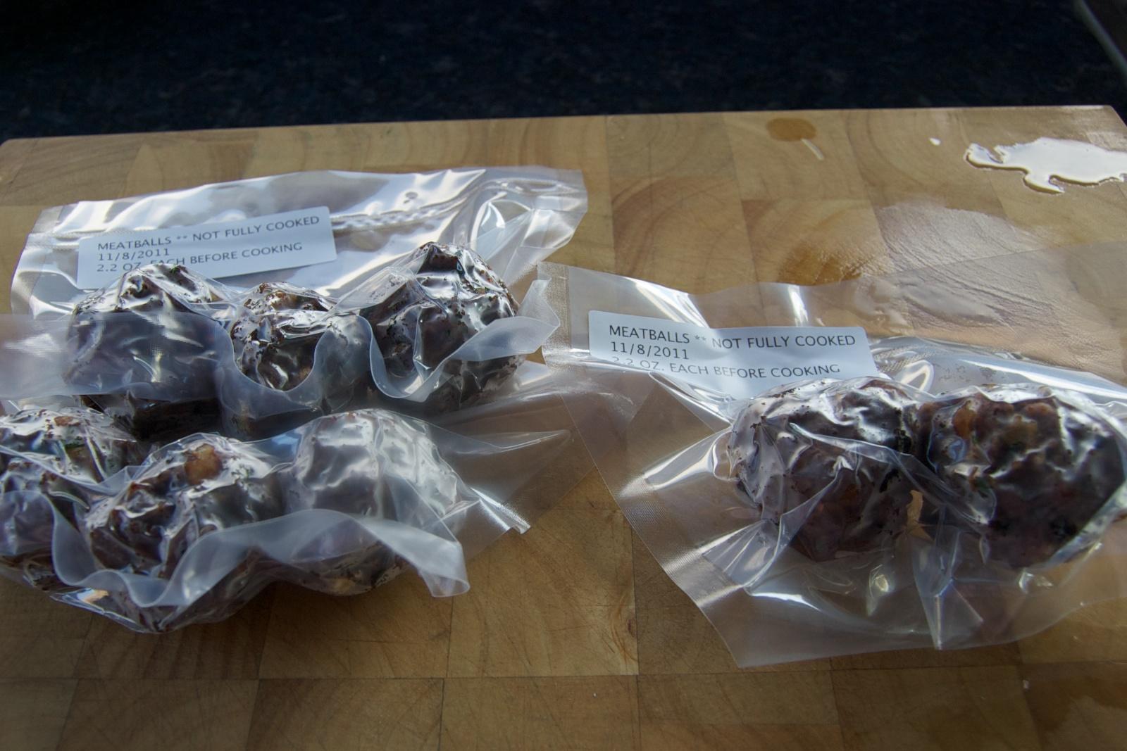 http://blog.rickk.com/food/2011/11/08/meatballs7.jpg