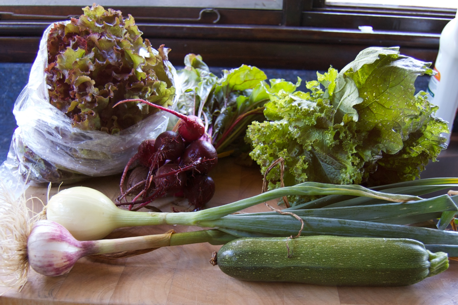 http://blog.rickk.com/food/2012/07/11/csa6.1.jpg