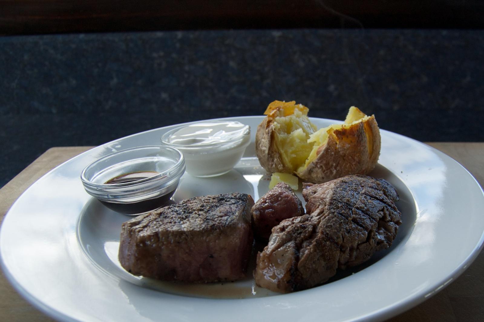 http://blog.rickk.com/food/2013/04/14/ate.2013.04.14.d.jpg